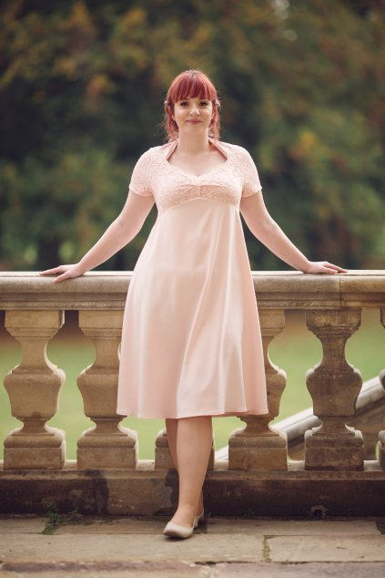 Krajkové šaty Brigitte s hladkou sukní