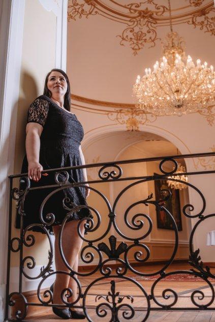 Krajkové šaty Cos s rukávem černé 8