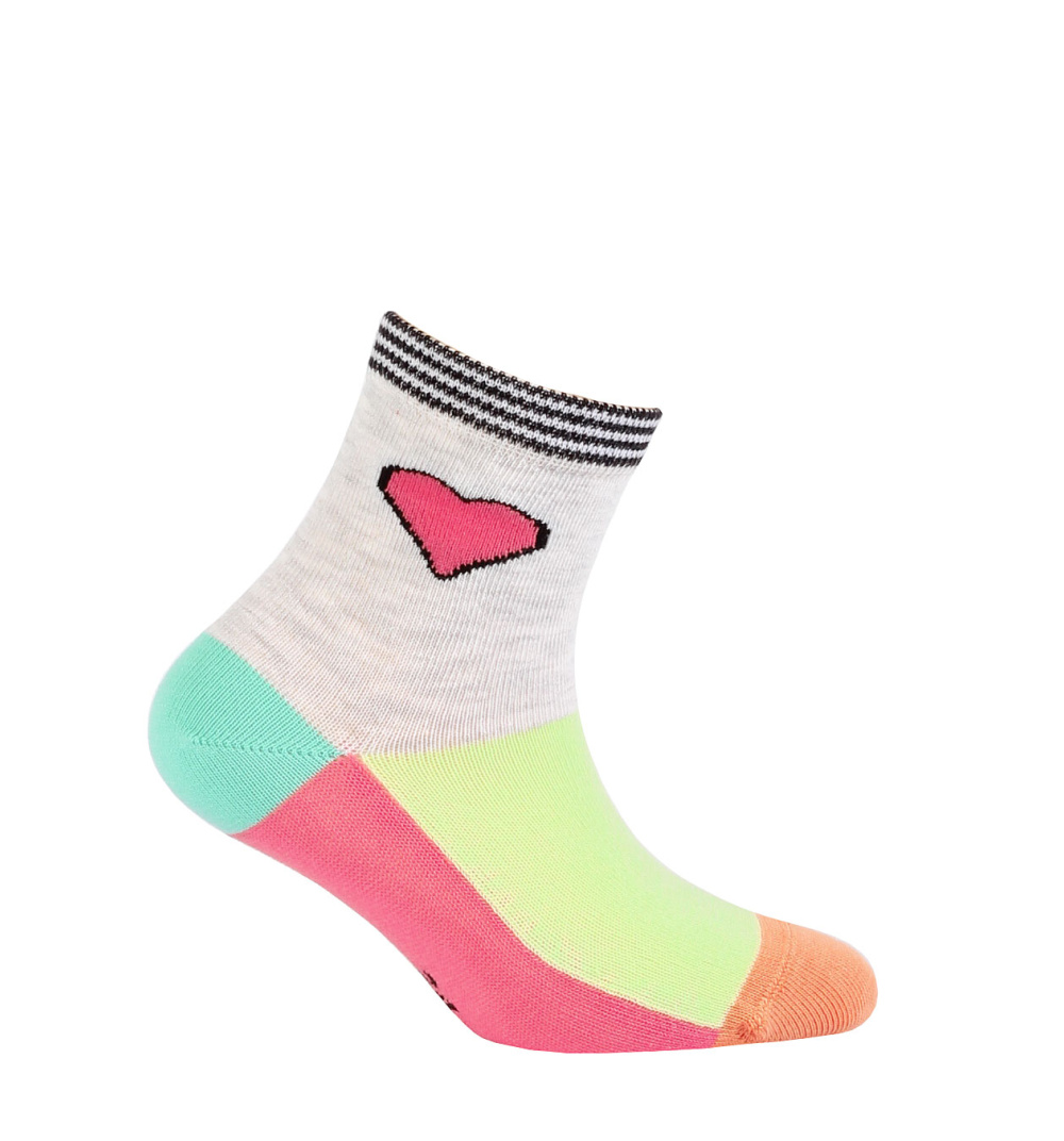 Dětské ponožky WOLA vzor SRDÍČKO růžové Velikost  15-17 9e82a6ef89