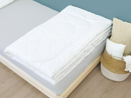 Exclusive 100% Woollen Duvet Hand-Stitched with Active Silver for All Year Long