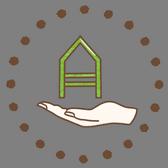 Dřevo pečlivě vybíráme, ručně opečováváme i sami lakujeme. Přečtěte si příbeh naší domečkové postele.
