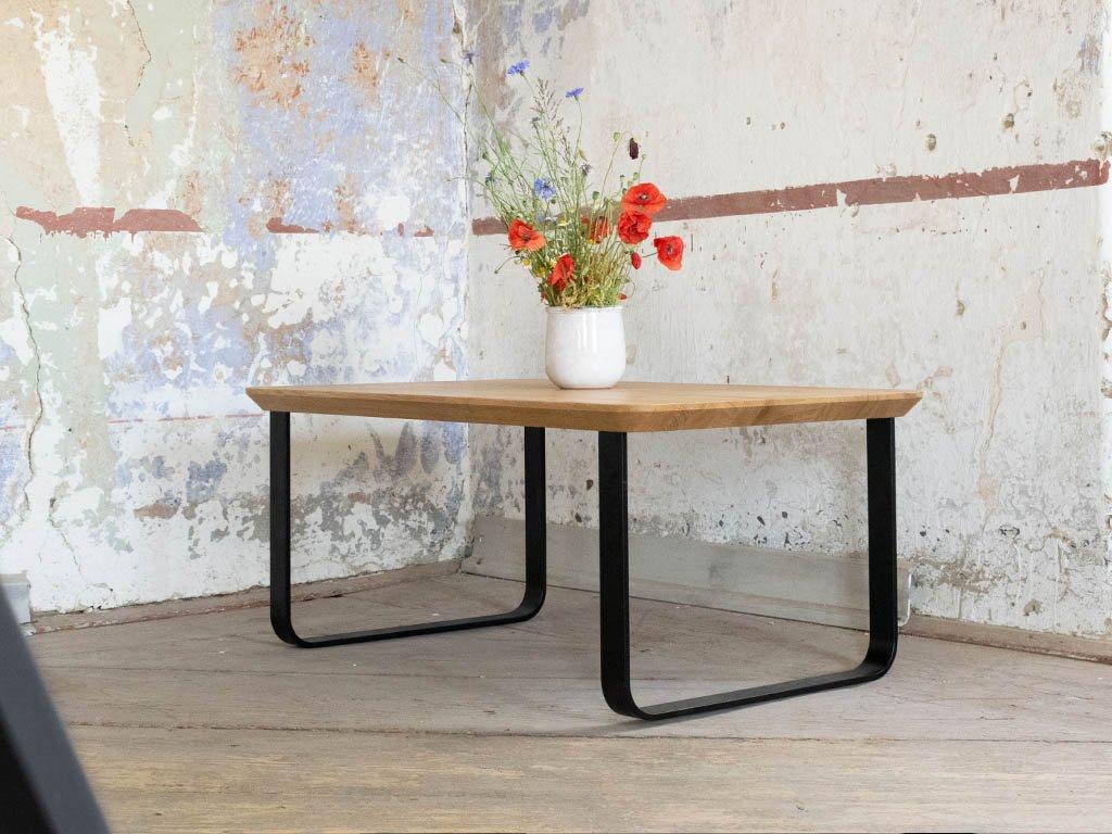 Obdélníkový konferenční stůl z dubového dřeva JAZZ s kolmou podnoží