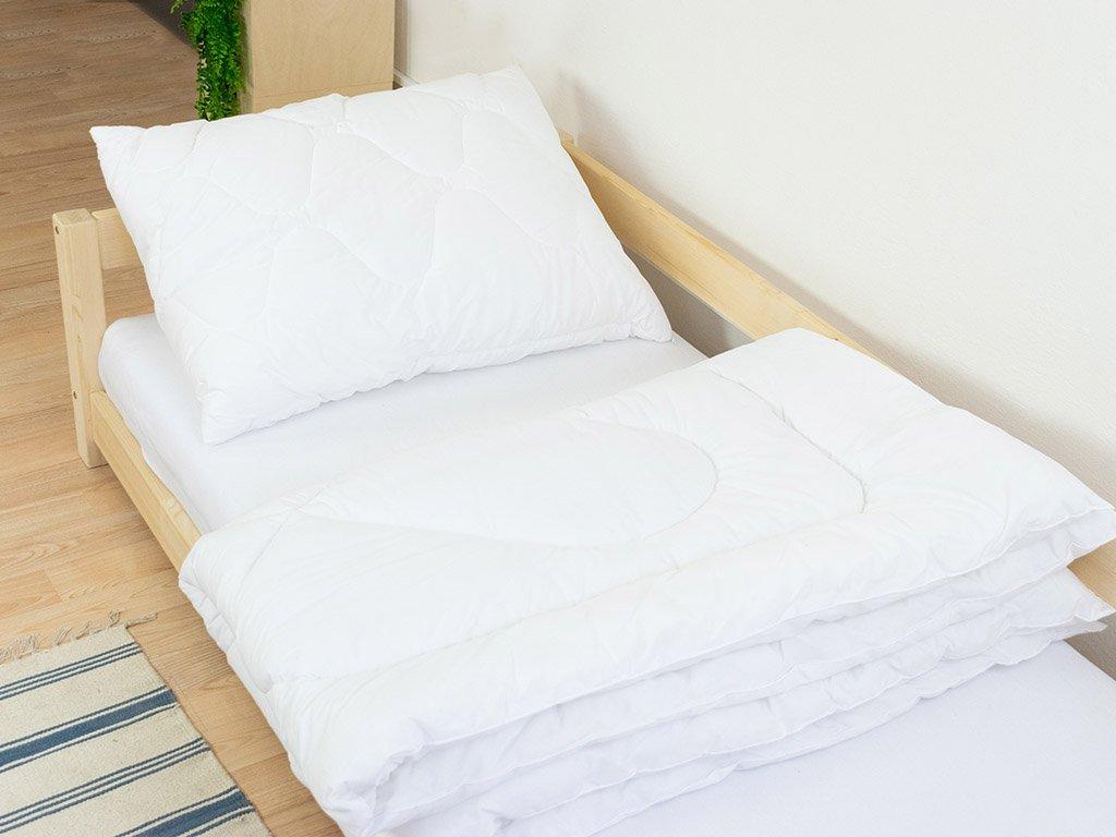 Prémiový set: Ručně šitá přikrývka i polštář z dutého vlákna