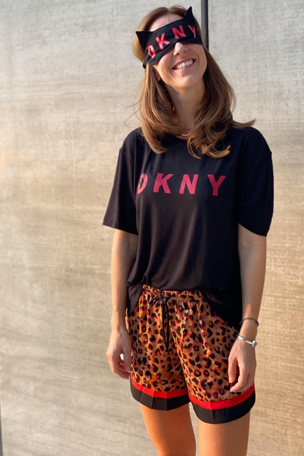 DKNY pyžamový set se škraboškou - černá/hnědá
