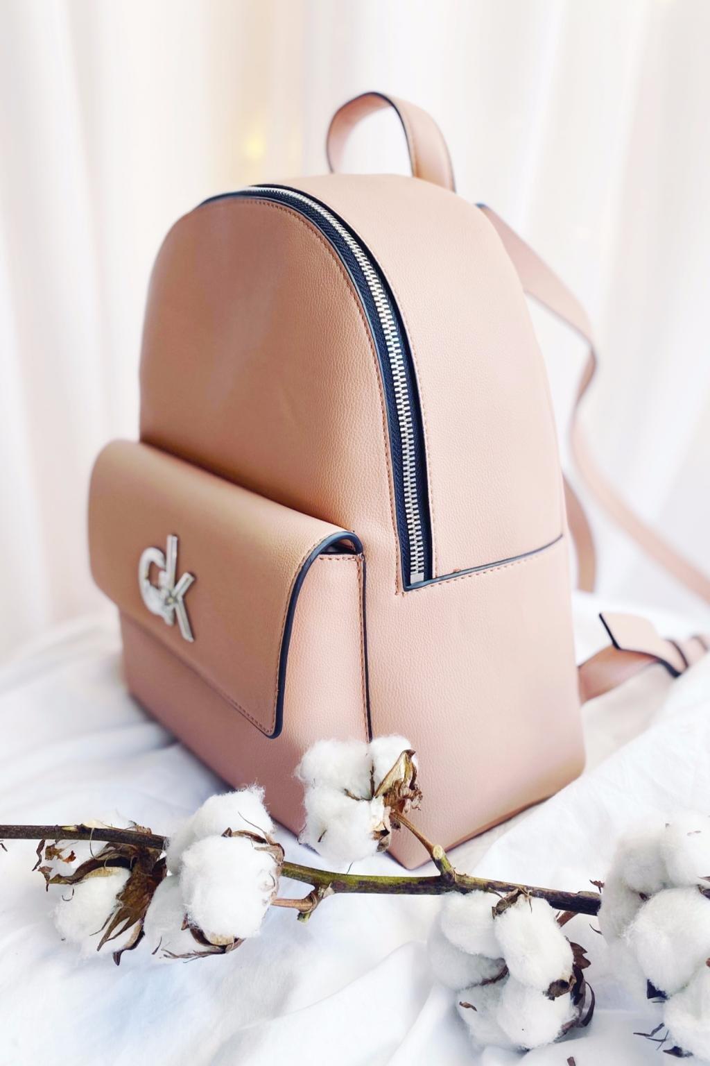 Calvin Klein re-lock batoh - růžová
