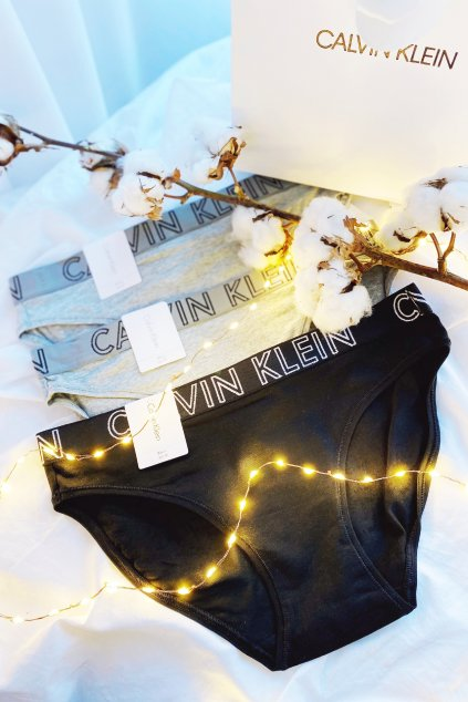 Dárkové balení Calvin Klein Ultimate kalhotky 3 kusy- šedá, černá, šedá