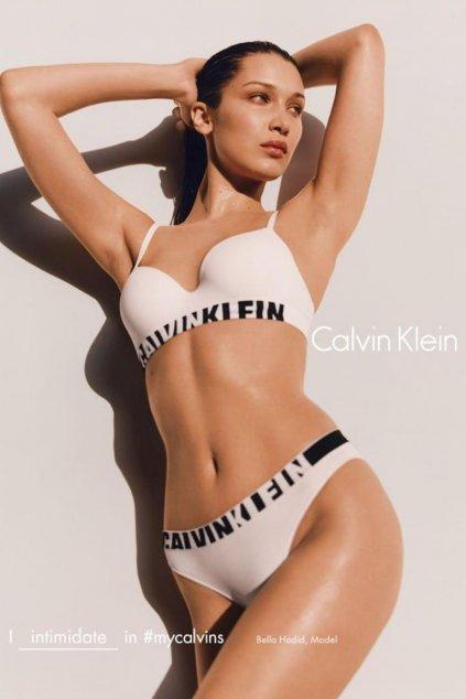 Calvin Klein Seamless Multiway Logo Podprsenka - Bílá