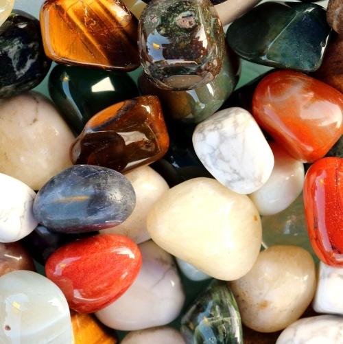 Význam minerálů v náramcích