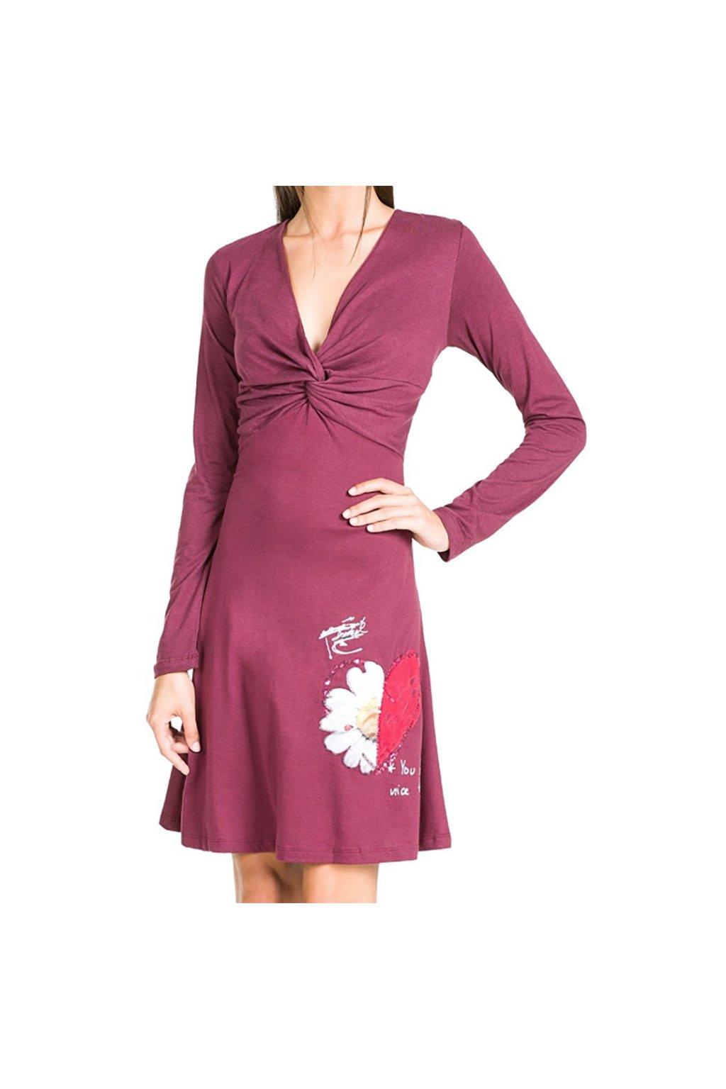 Vínové šaty drobnou aplikací Desigual