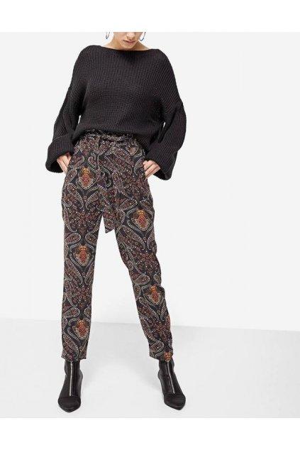 Černé vzorované kalhoty Stradivarius