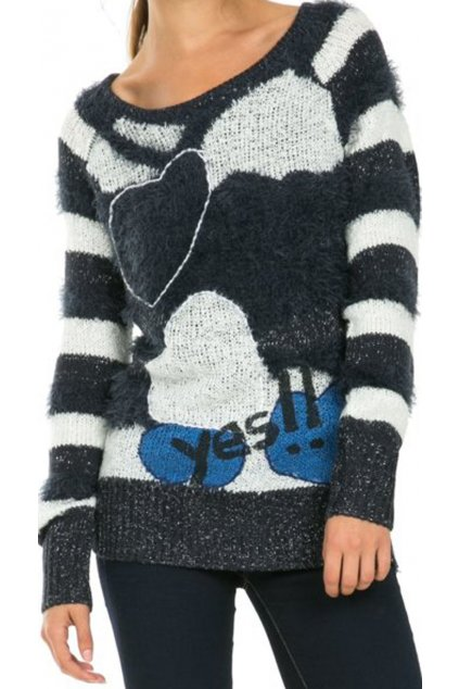 Chlupatý svetr se srdíčkem Desigual