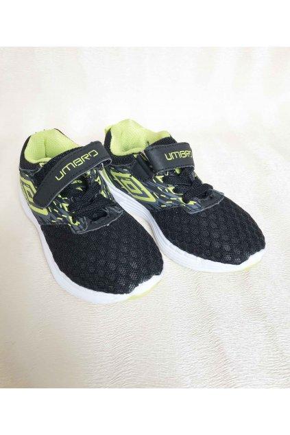 Chlapecké černé botasky Umbro