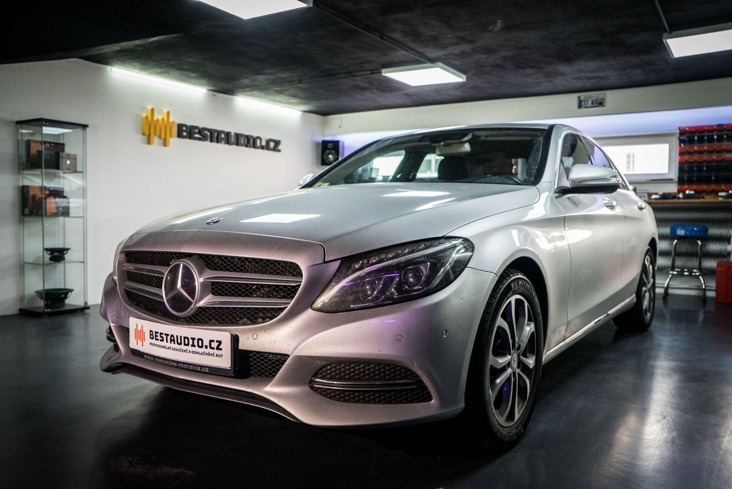 Mercedes C – kompletní výměna reproduktorů a subwooferů + instalace zesilovače