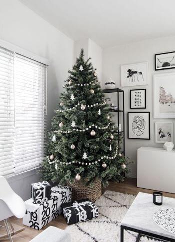 minimalisticky_vianocny_stromcek