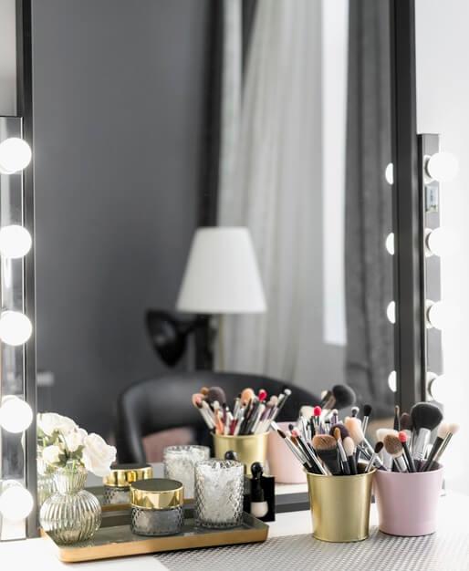 kozmetika_na_toaletny_stolik