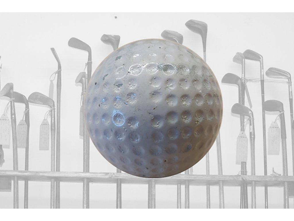 Historický golfový míček
