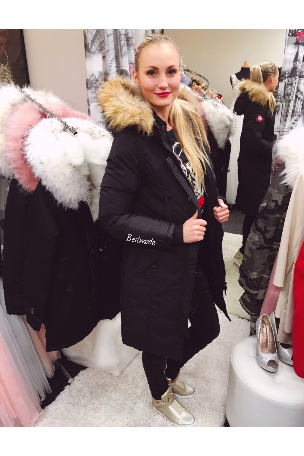 Černý kabát s kožíškem, SKLADEM