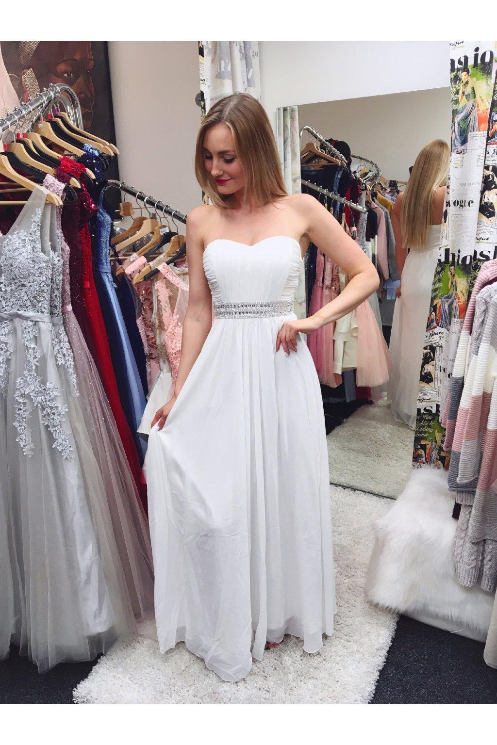 805c43fe8df Bílé společenské   svatební šaty Eva Lola. Neohodnoceno. 4BD79EA5 B52A 47A4  85AF 01A9B55177C1