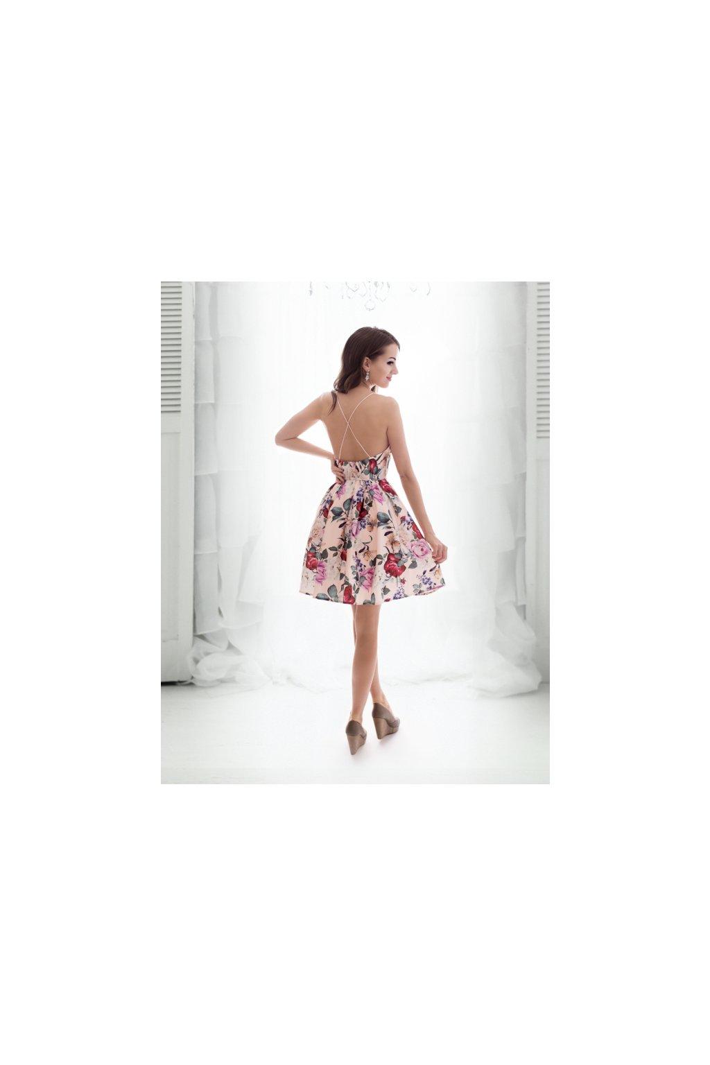 5ec668d8d7f ... kvetovane koktejlky eva lola. Společenské koktejlové šaty z francouzské  kolekce ...