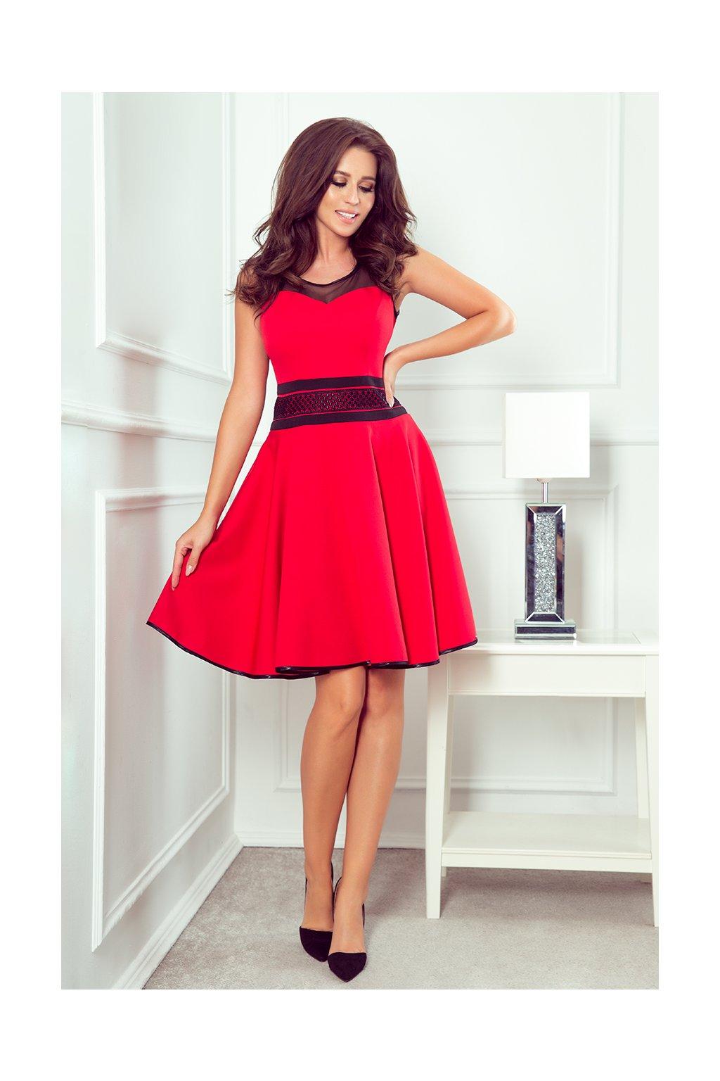 červené šaty s černým