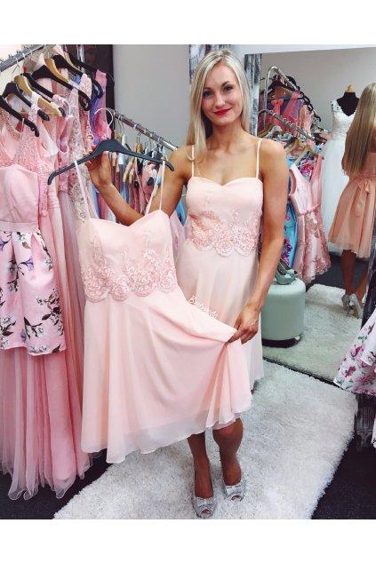 Meruňkové společenské šaty s krajkou, SKLADEM