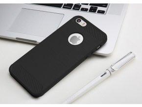 Ohebný carbon kryt na iPhone 6