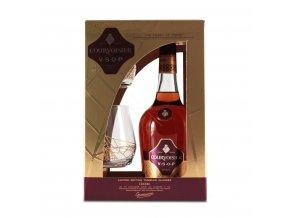 60728 cognac courvoisier vsop v darkovem baleni se 2 sklenickama 40 0 7l