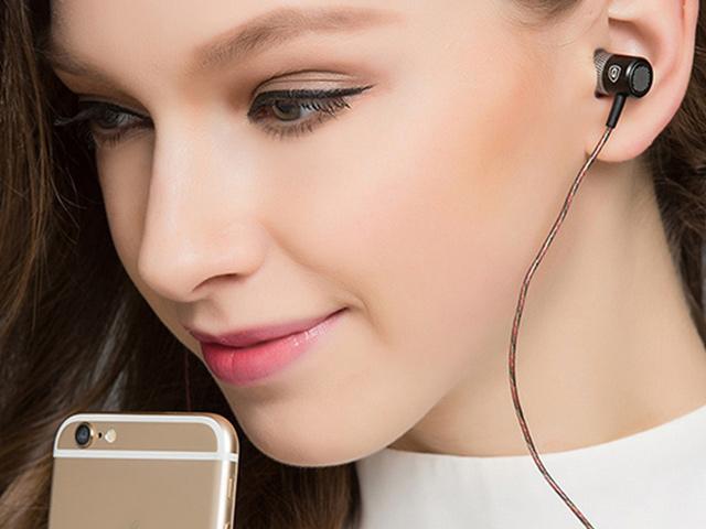 Klasické kabelové špunty do uší