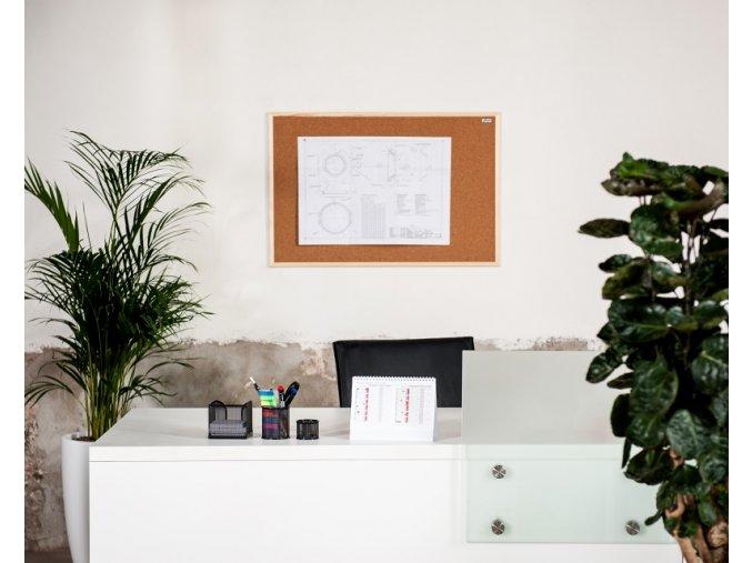 Korková nástěnka AVELI 60x90 cm, dřevěný rám
