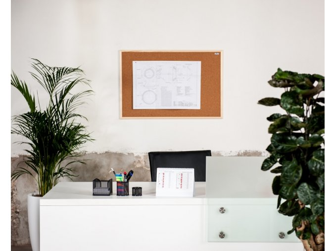 Korková nástěnka AVELI 90x180 cm, dřevěný rám
