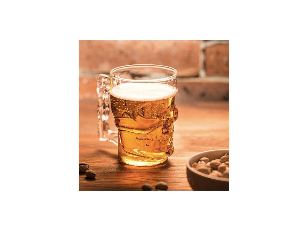 Půllitr na pivo ve tvaru lebky