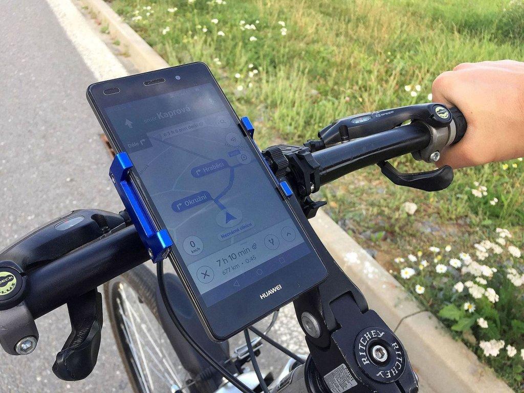 0009462 otocny drzak mobilu na kolo