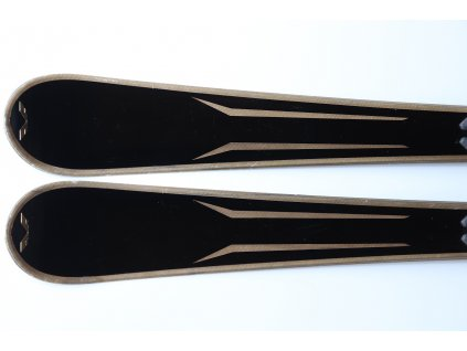VOLANT PURE BLACK 160 cm, rok 2017