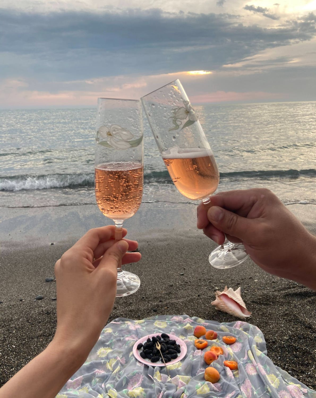 léto - drink on the beach