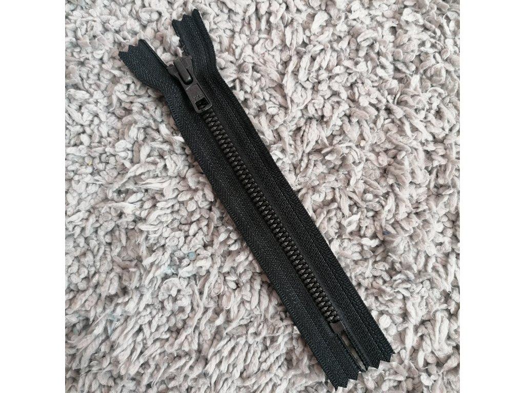 nedělitelný kostěný zip YKK METALUXE- 15 cm, černá stuha, matné černé zuby