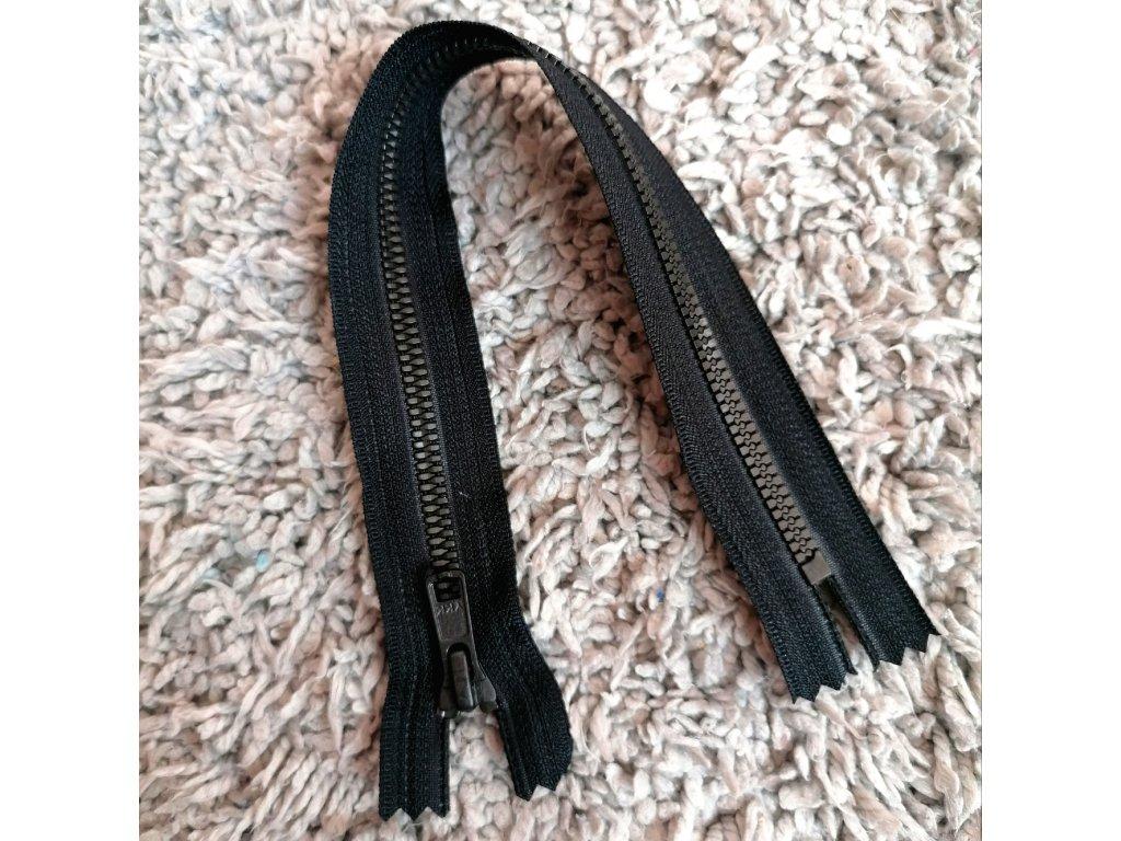 nedělitelný kostěný zip YKK METALUXE- 30 cm, černá stuha, matné černé zuby