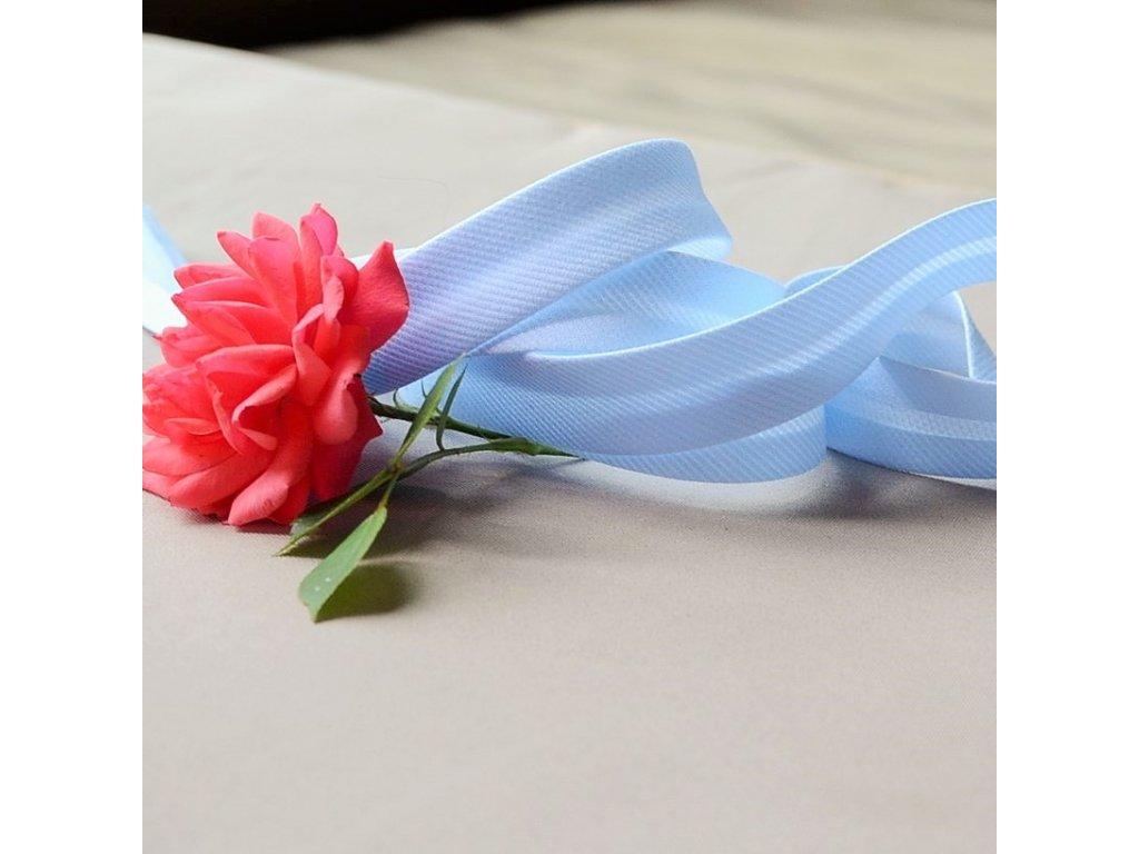 0,5 m šikmý proužek světle modrý spirálový 18 mm (polyester/bavlna)