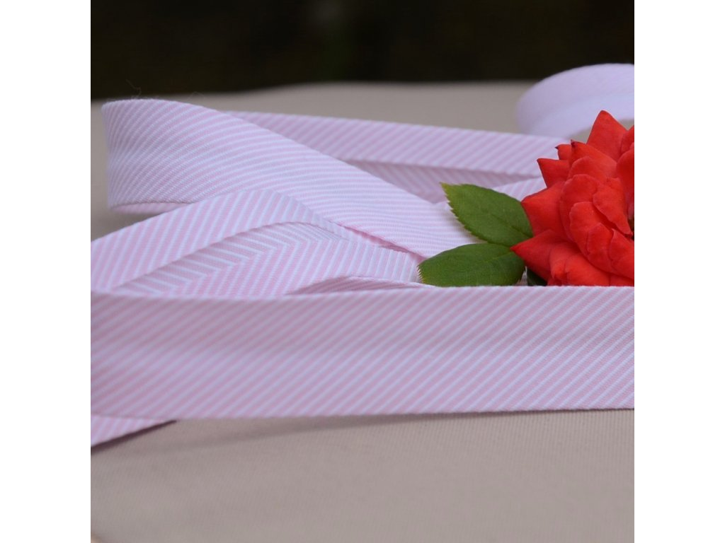 0,5 m šikmý proužek drobné proužky růžový 18 mm (polyester/bavlna)
