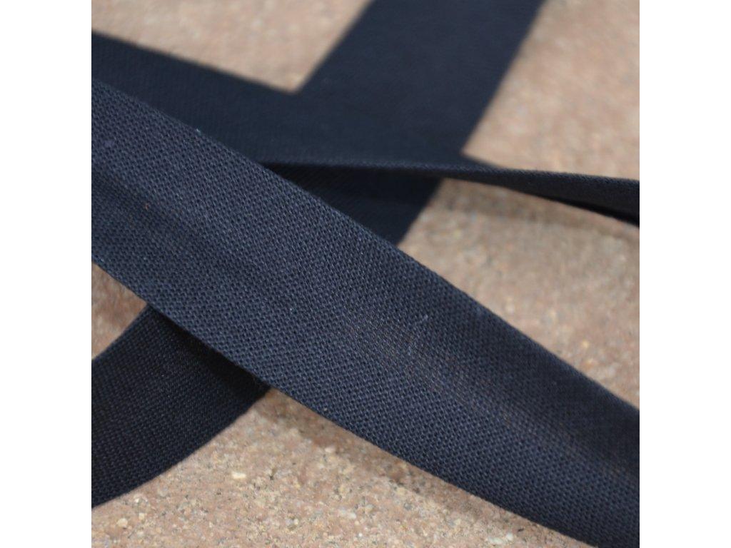 0,5 m šikmý proužek zažehlený černý 18 mm (100% bavlna)