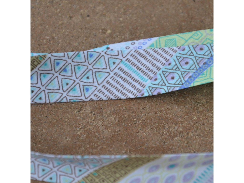 0,5 m šikmý proužek tvary fialovozelené 18 mm (100% bavlna)