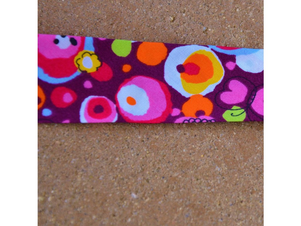 0,5 m šikmý proužek rozkvetlá louka fialová 30 mm (100% bavlna)