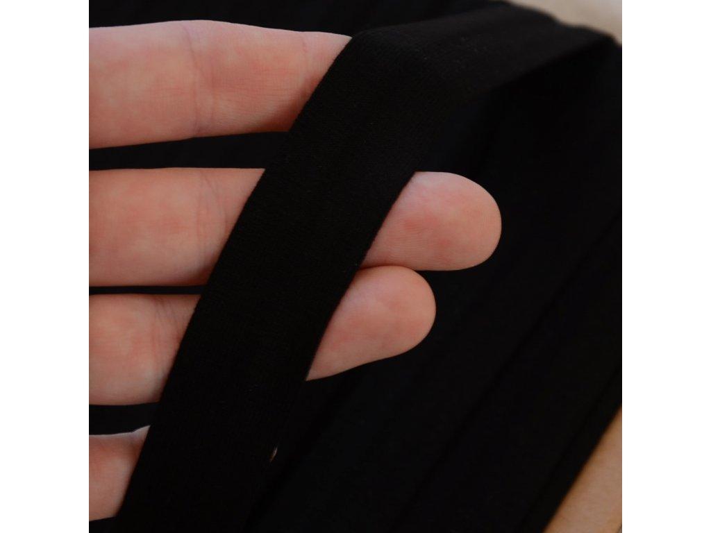 0,5 m šikmý proužek viskózový úplet černý 20 mm