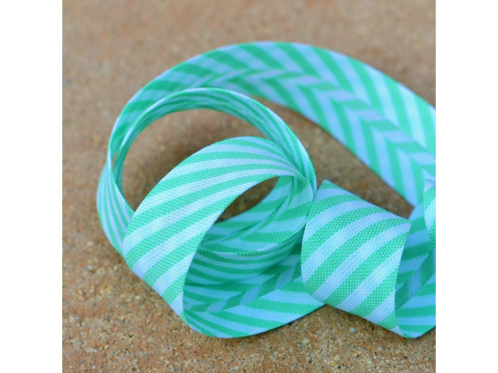 0,5 m šikmý proužek zelenobílé proužky 18 mm (bavlna/polyester)