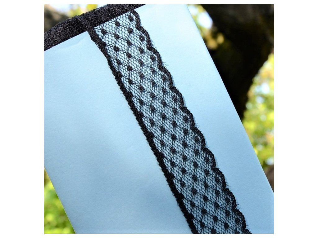 0,5 m pevná krajka puntík černá 3 cm