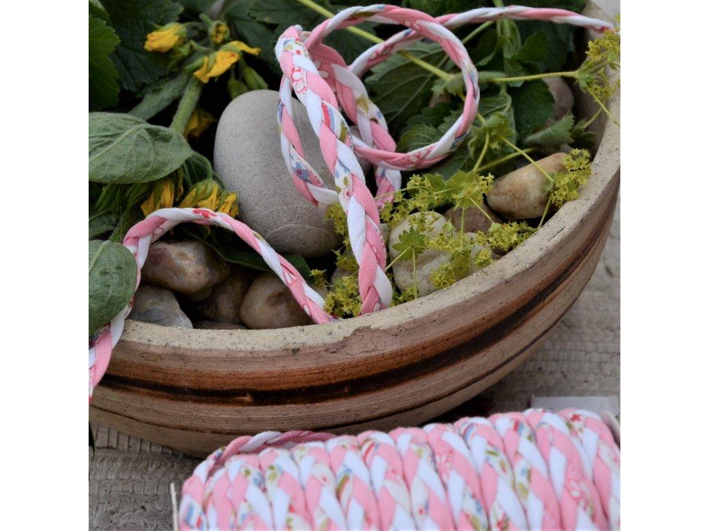 0,5 m copánek ze sešitých šikmých proužků květinky na růžové 10 mm
