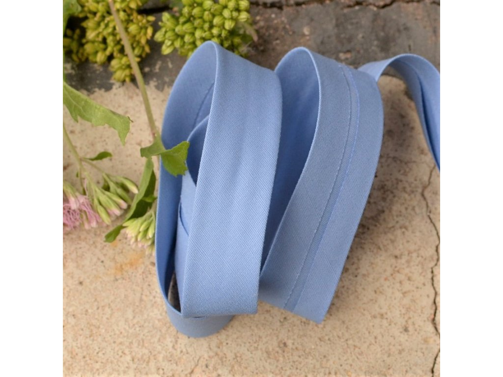 0,5 m šikmý proužek modrý plátno s elastanem 18mm