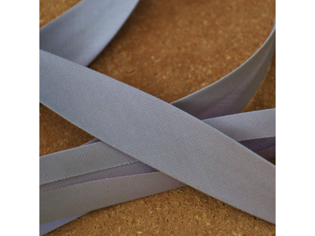 0,5 m šikmý proužek šedý plátno s elastanem 18mm
