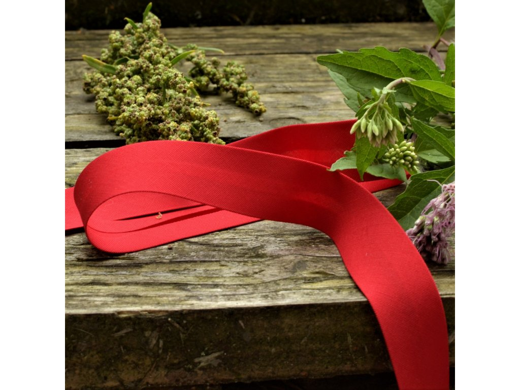0,5 m šikmý proužek červený plátno s elastanem 18 mm (3% elastan)