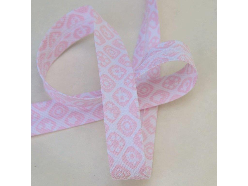 0,5 m šikmý proužek růžové kostičky 18 mm (bavlna/polyester)