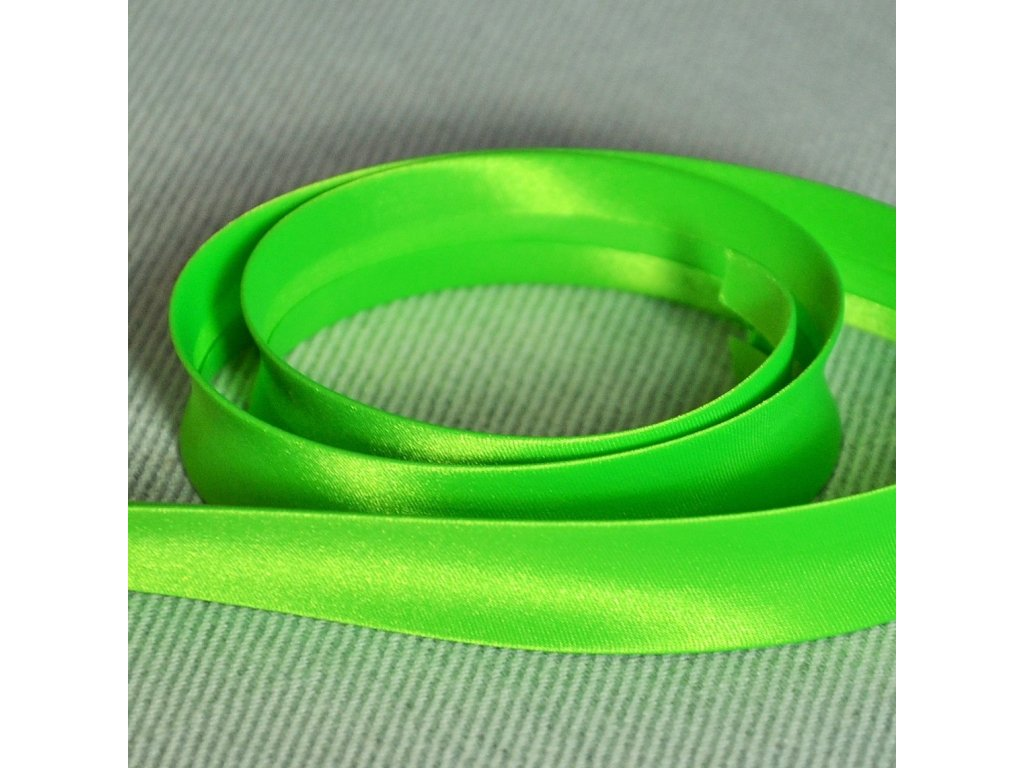 0,5 m šikmý proužek neon zelený 18 mm (100% polyester)